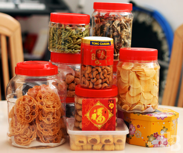 US – Chinese New Year goodies Guide   Shipping food from Singapore to United States