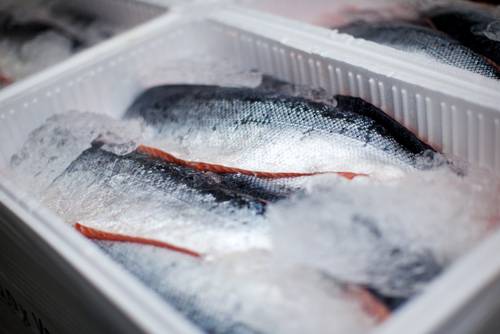 How to pack frozen or cold food for shipping